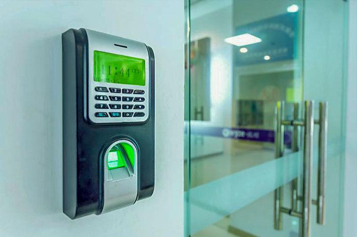 Системы контроля управления доступом, видеонаблюдение
